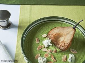 Zuppa di broccoli con gorgonzola e pere