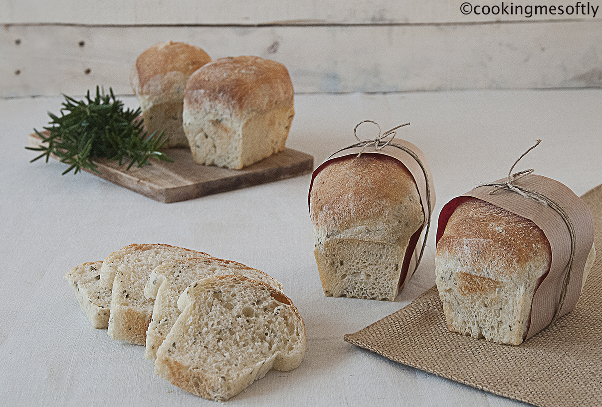 Potatoes and rosemary mini loaves 1