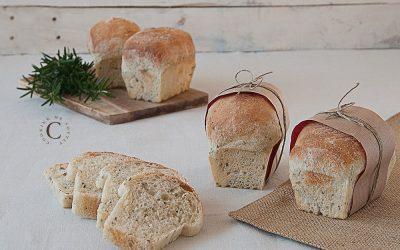 Potatoes and rosemary mini loaves