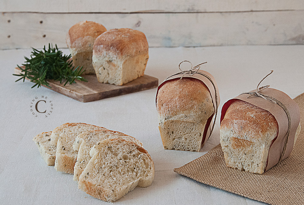 Potatoes and rosemary mini loaves
