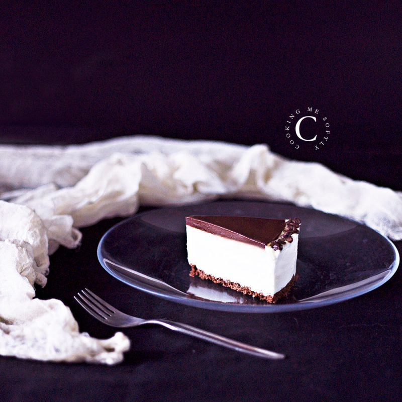 Torta con chantilly allo yogurt e cioccolato