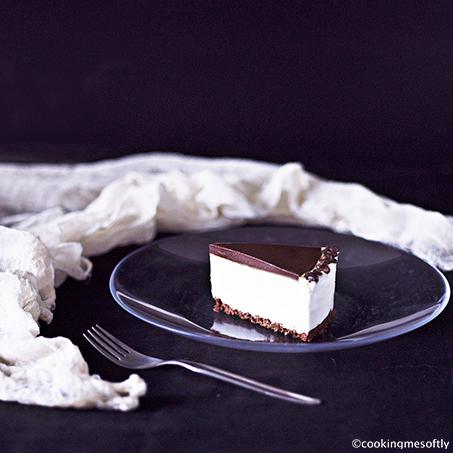 Torta con chantilly allo yogurt e cioccolato