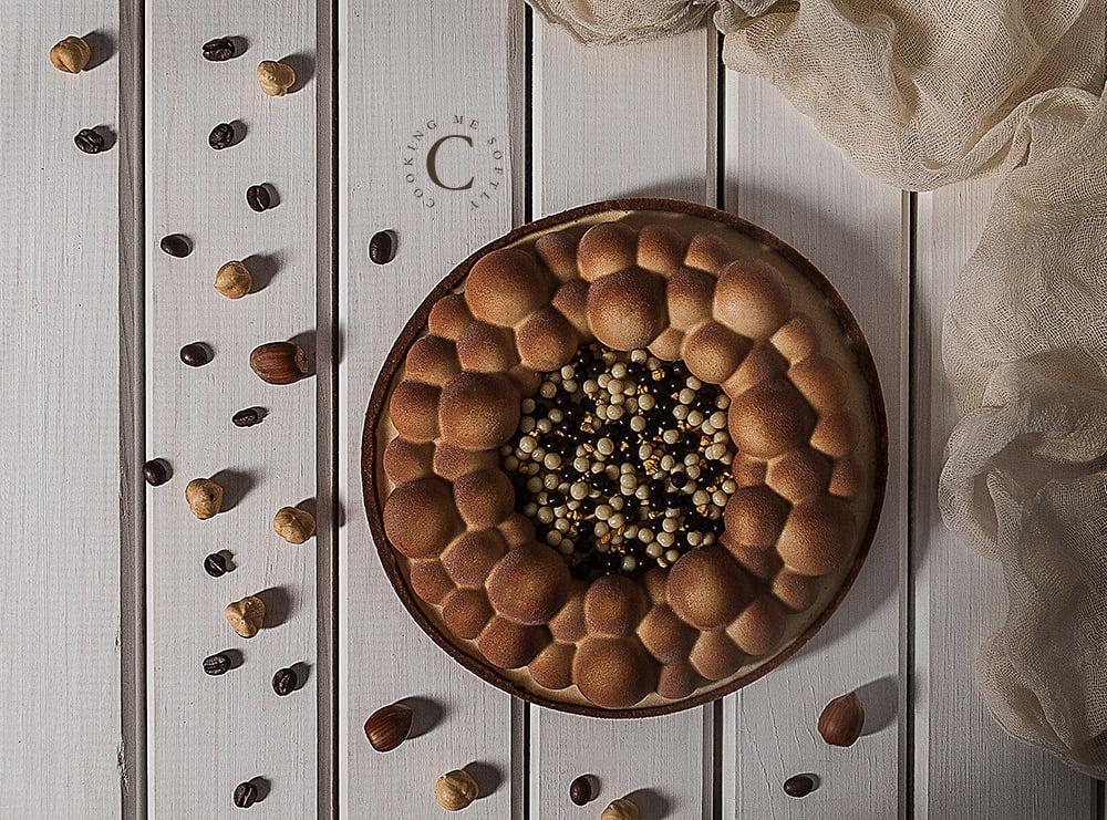 Coffee and praline tart