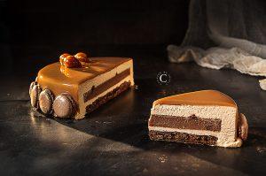 Entremets cioccolato, nocciola e pralinato