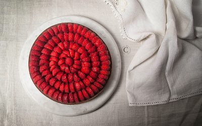 Raspberries tart and chocolate mascarpone suprème