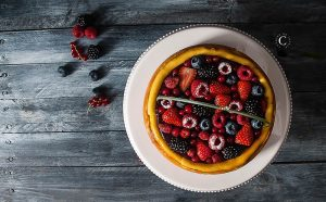 baked red berries cheesecake