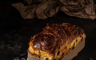 Tonka and chocolate chips Babka