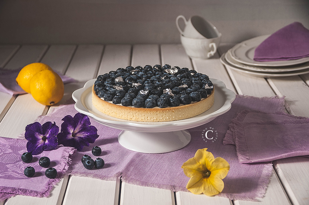 Blueberries and lemon tart
