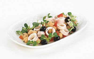 Chickpeas salad with calamari and olives